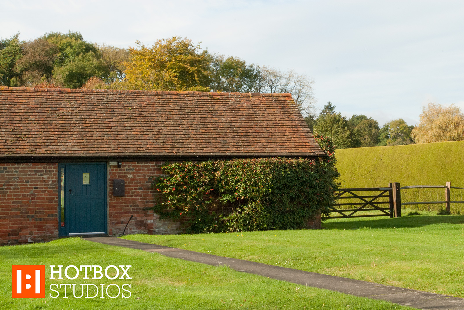 Hotbox Studios Elvetham Estate Hampshire - Front of building in sun v2014001 1600x1071Px72Dpi